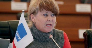 КСДП фракциясынан депутат болуп келген Ирина Карамушкина парламентте ант берди