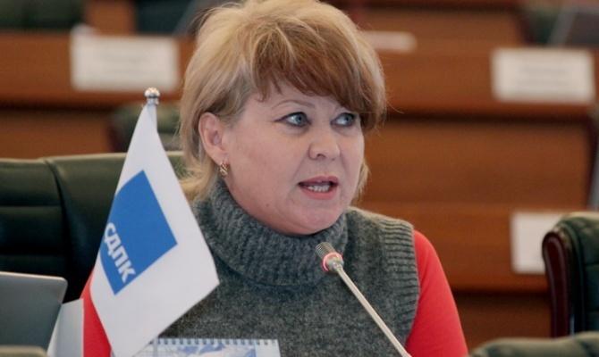 Irina Karamushkina takes oath as deputy of Parliament