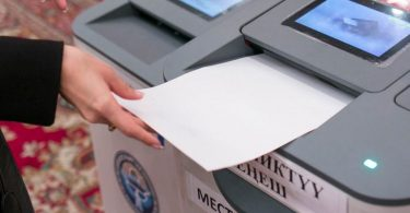 (English) CEC member of Kazakhstan refuses to observe elections in Kyrgyzstan