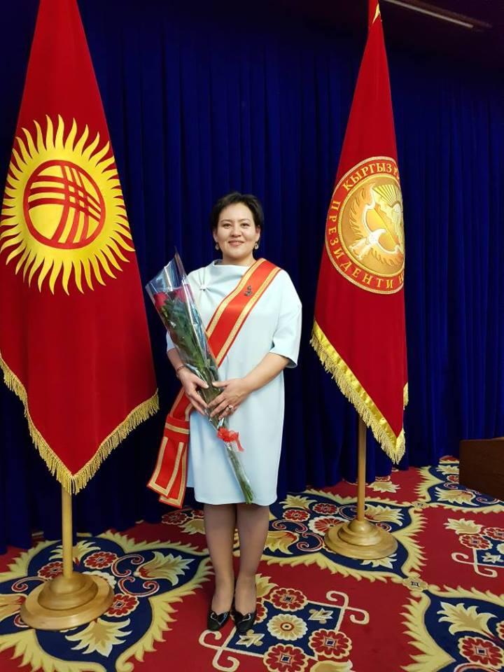 А.Атамбаев подписал указ о награждении ряда лиц, в том числе главы ЦИК, депутатов ЖК и общественных деятелей (фамилии)