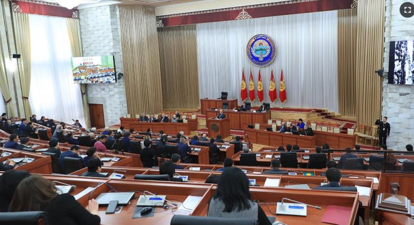 В КР предложили два новых варианта системы парламентских выборов