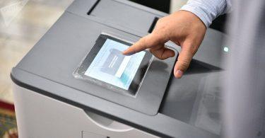 В ЖК предложили внедрить электронное голосование на выборах к 2020 году