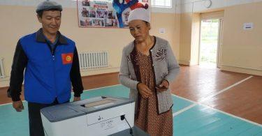 Жогорку Кенеш в третьем чтении принял поправки в некоторые законы о выборах