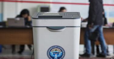 Жогорку Кенеш принял в трех чтениях законопроект о выборах депутатов